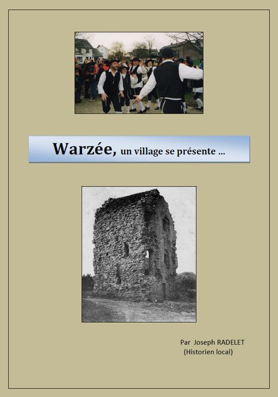 Warzée un village se présente couverture